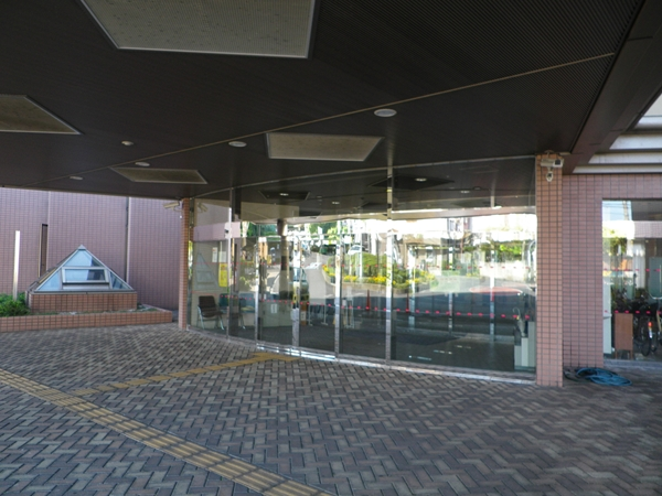 高齢者総合福祉センターサンテピアのエントランス